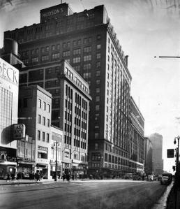 Detroit_1415Woodward_1932